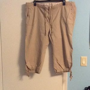 XXL Old Navy tan cargo style pants.